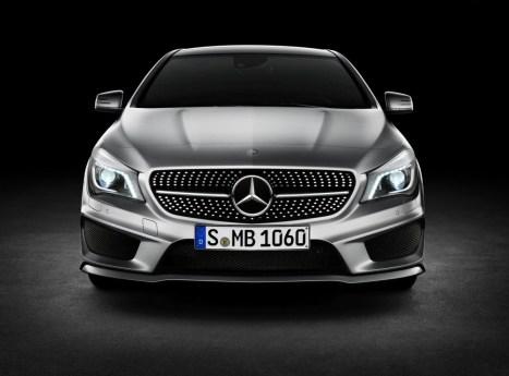 [Officiel]Les Photos de la Mercedes CLA C117 MB-CLA.24