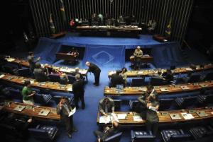 Os senadores deverão votar a reforma trabalhista, prevista para quarta-feira (5). Para que a matéria seja aprovada é necessária apenas a maioria simples dos senadores no plenário Arquivo/Agência Brasil