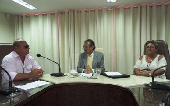 José Adécio com a ex-prefeita Dida e o presidente da Câmara Municipal Valdemar