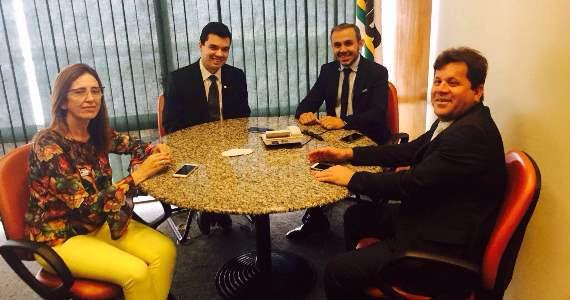 Deputado Walter Alves recebe prefeitos potiguares em Brasília
