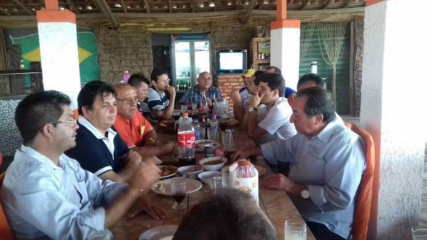 Maurício recepcionado no seu retorno de Brasília como novo filiado do DEM
