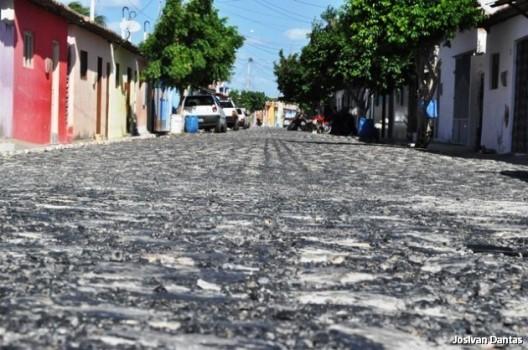 Pavimentação de ruas em Baixa do meio