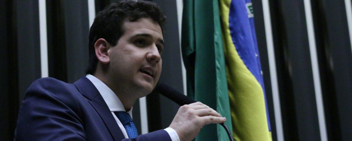 Apos destituição de Benjamim Maranhão, deputado cobra união da bancada