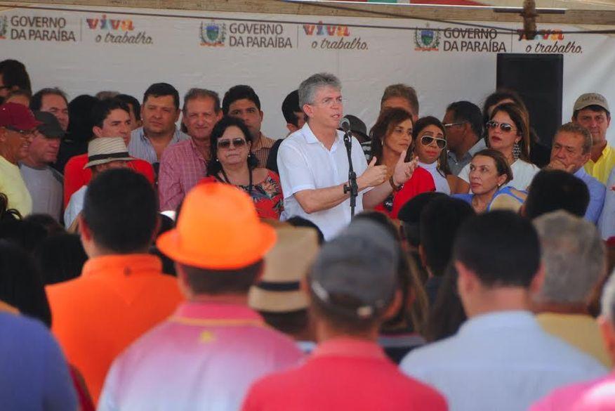 """Ricardo alfineta Cartaxo: """"Quem não tem posição não pode governar bem"""""""