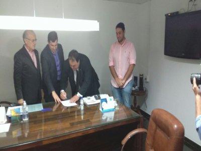 Sindicância do CRM faz Jullys Roberto reduzir licença médica para dez dias