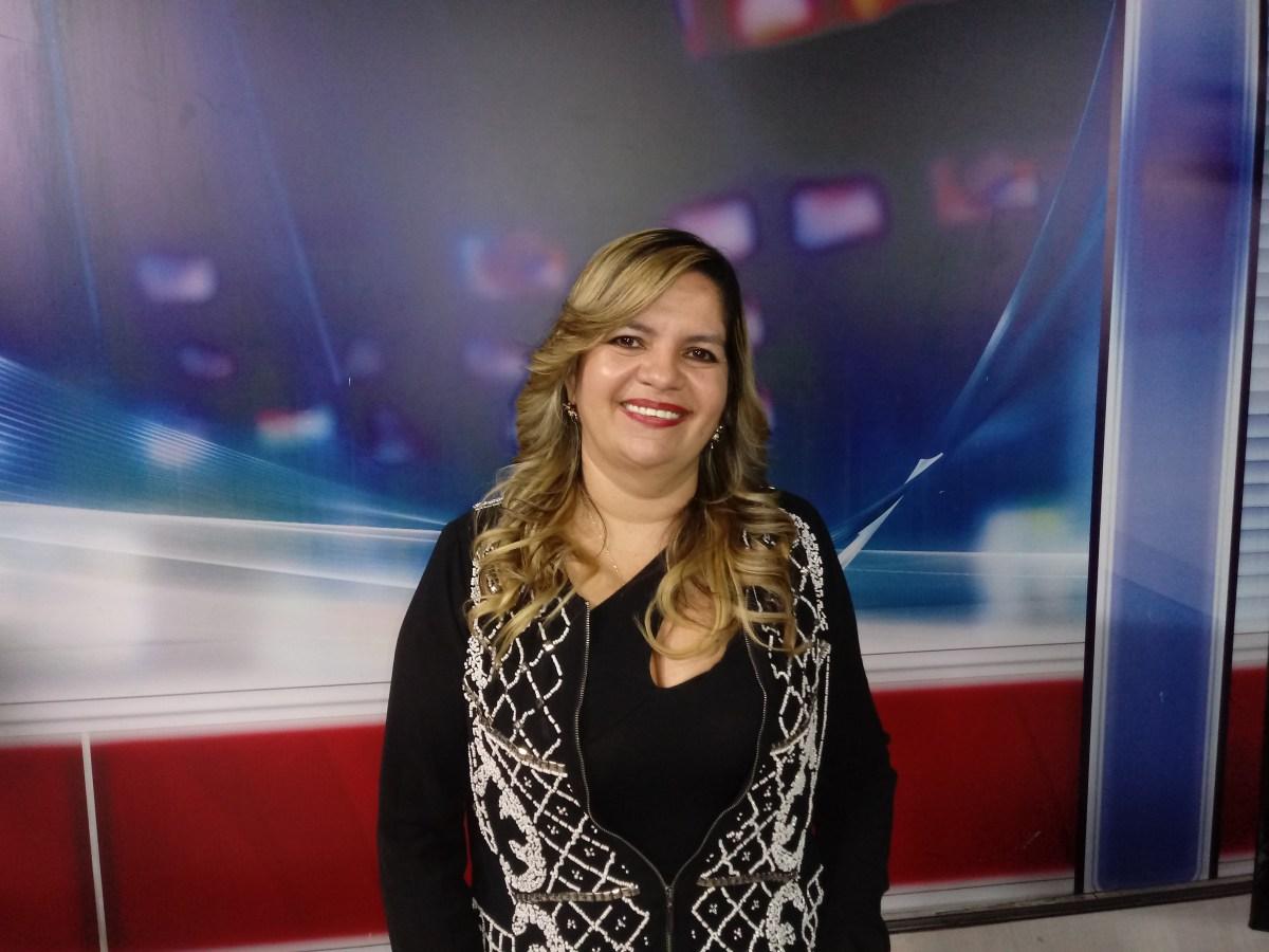 Insatisfeita, Raíssa Lacerda se encontra com RC para tratar cenário político