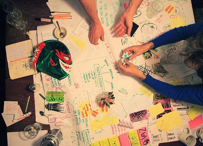 zuloark colectivo arquitectos dinero fundacion arquia foto mesa de trabajo
