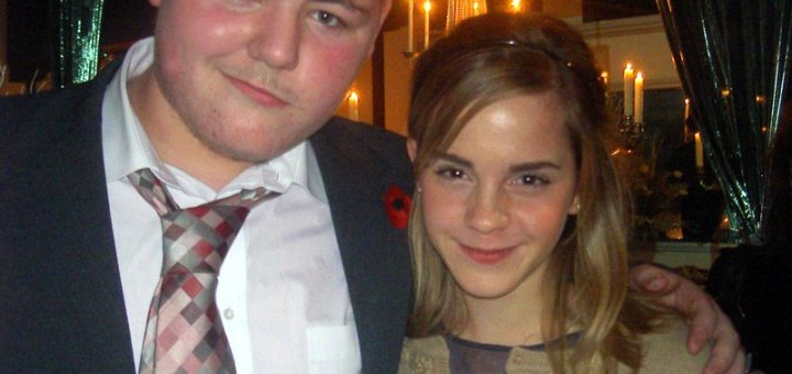 Jamie Waylett junto a Emma Watson