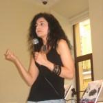Lourdes impartiendo la charla
