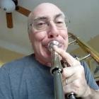 Músico faz vídeo com câmera GoPro acoplada num trombone