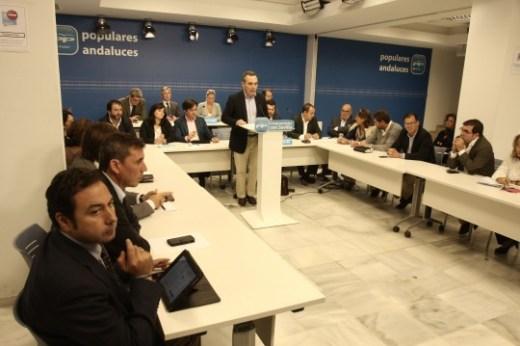 JUAN BUENO PRESIDE REUNION DE ALCALDES DEL PP