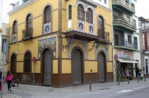 Fotos de Casa Anselma, cerrado por orden del Ayto. c/ Pagés del Corro, 49.