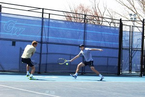 Seniors Ulrik Thomsen and Viktor Svennson practice on the Mount Vernon Campus earlier this week. Hatchet File Photo