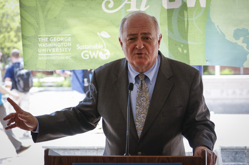 University President Steven Knapp speaks at an Earth Day event in Kogan Plaza on Tuesday afternoon. Charlie Lee | Hatchet Staff Photographer