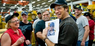 Dirty Jobs' Mike Rowe celebrates Caterpillar Inc. workers