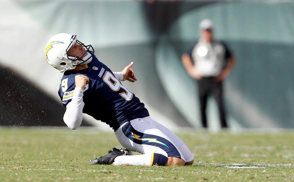San Diego Chargers' Nick Novak celebrates after kicking the go-ahead field goal during the second half of an NFL football game, Sunday, Sept. 15, 2013, in Philadelphia. San Diego won 33-30. (AP Photo/Philadelphia Daily News, David Maialetti)