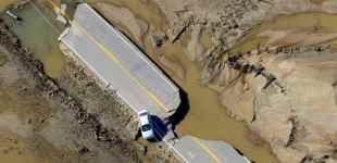 Massive damage and heroic rescues in Colorado flooding