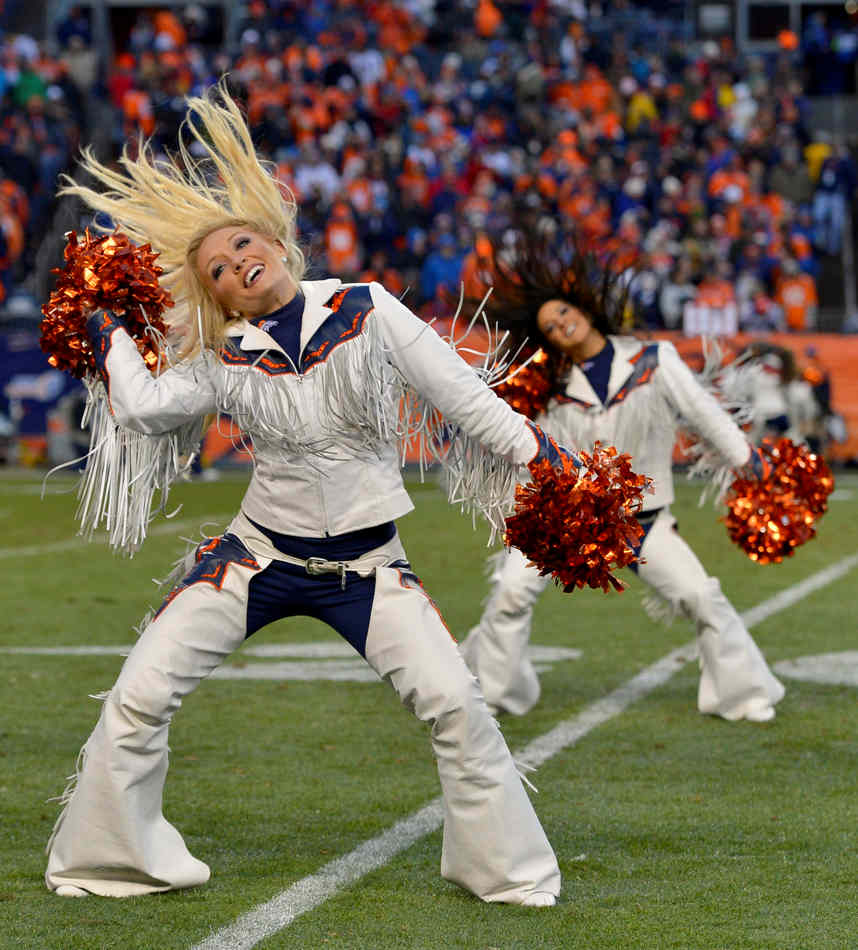 San Diego Chargers Cheerleader: Top Photos From The NFL Divisional Playoffs