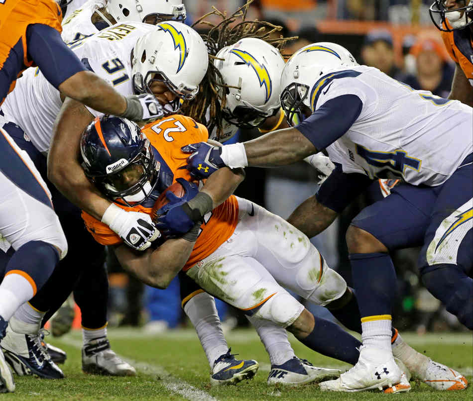 San Diego Chargers Defence: Top Photos From The NFL Divisional Playoffs