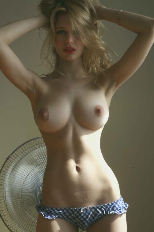 slim girl big boobs