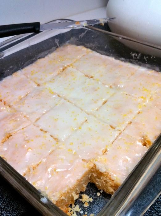Lemon shortbread squares