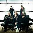 Je vous rappelle que Stone Sour effectue un concert à New York pour la promotion de leur nouvel album «Audio Secrecy». Et que ce concert nous est offert en direct...