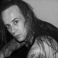 Une très bonne nouvelle que voici! Adam Darski aurait trouvé un donneur génétiquement compatible. L'information nous vient de «Metal_Richard» un membre de Blabbermouth.net, posté aujourd'hui auxalentoursde 12h. Voici le communiqué...