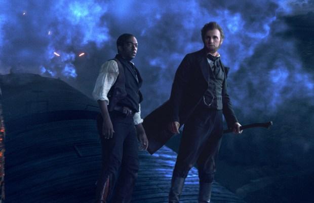 ALVH-398 - Abraham Lincoln (Benjamin Walker, right) and his closest friend Will Johnson (Anthony Mackie) make their final stand atop a speeding train.