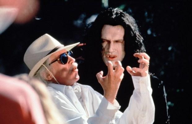 vampires-1998-tou-01-g