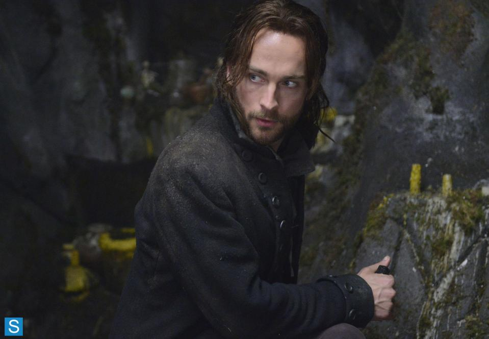 Sleepy Hollow – Episode 1.01 – Pilot – Full Set of Promotional Photos (8)_FULL