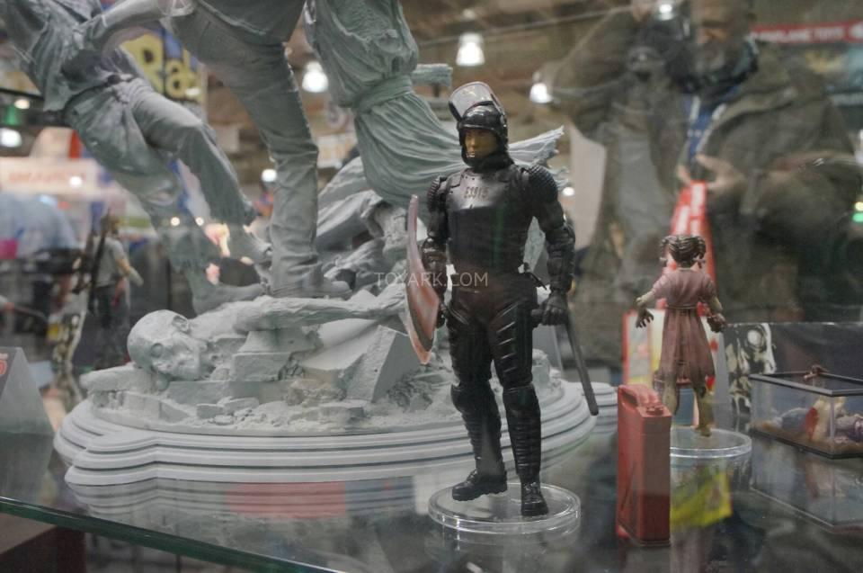 Toy-Fair-2014-McFarlane-Walking-Dead-015
