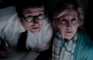 Leigh-Whannell-also-writer-of-INSIDIOUS-and-Lin-Shaye-in-INSIDIOUS-Photo-Credit-John-Darko-Courtesy-of-FilmDistrict_rgb