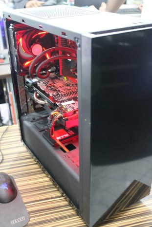 Blossom's Project NZXT S340