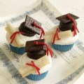 Graduation cap and diploma cupcakes