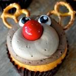 Day 2-Holiday Favorites- Pretzel Reindeer