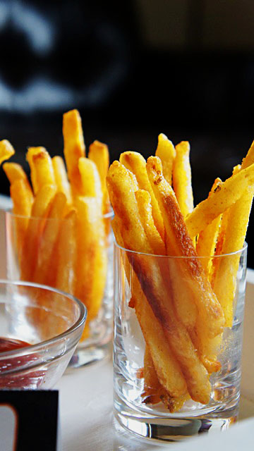 French Fry Dunkers at March Madness Party- B. Lovely Events