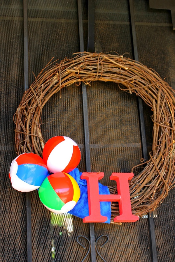 beach ball wreath. Perfect for a pool or beach party!