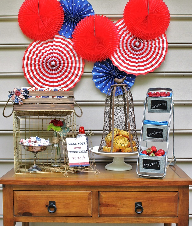 Build  you own shortcake bar for 4th of July