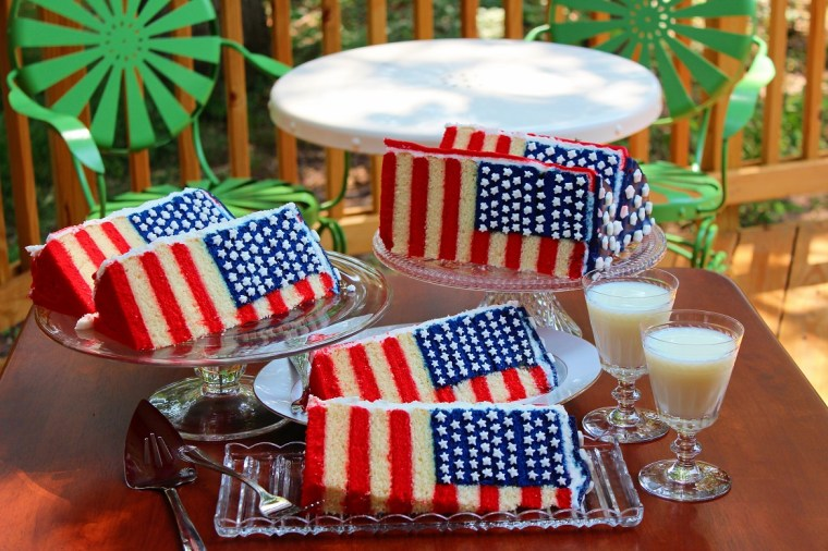 DIY flag cake for the 4th