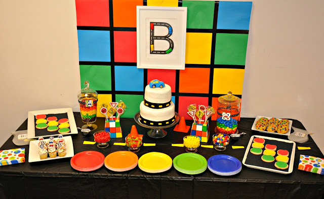 Love the colors on this Subway themed birthday