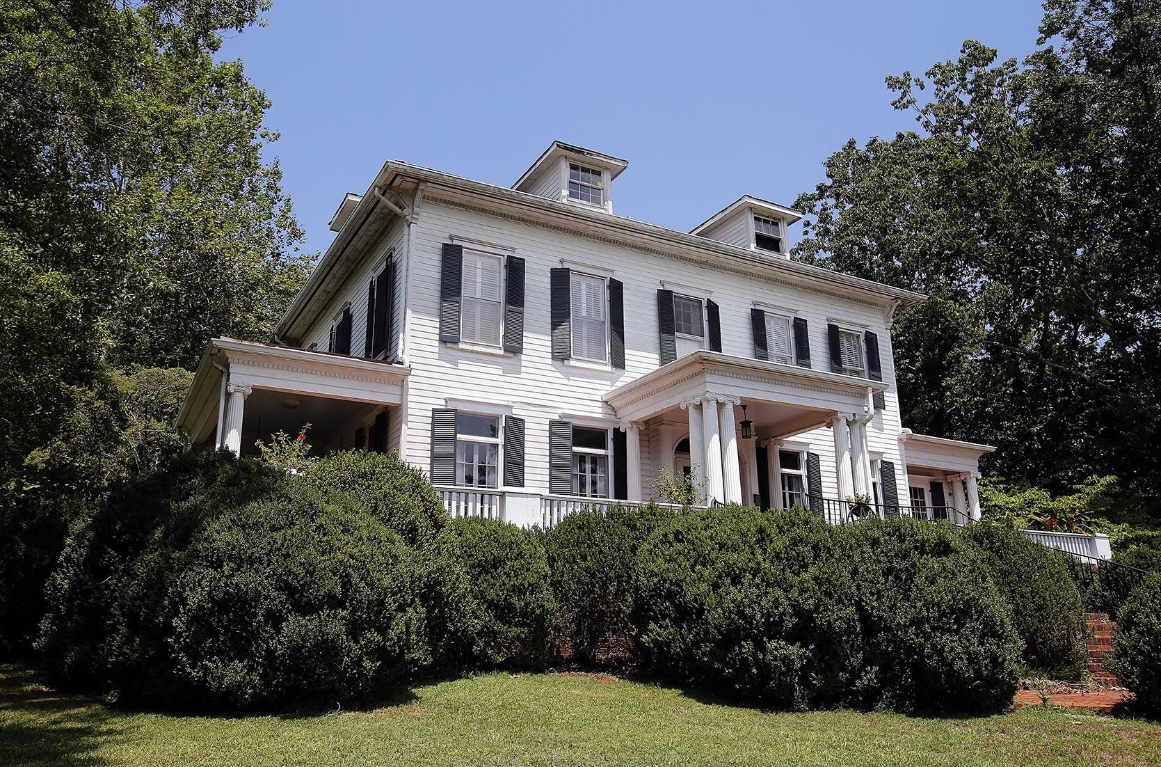 Inspiring Anniston Founder Samuel Historic Home Finds New Life As A Lifeandhome Coupon Code Life Home Discount houzz-03 Life And Home