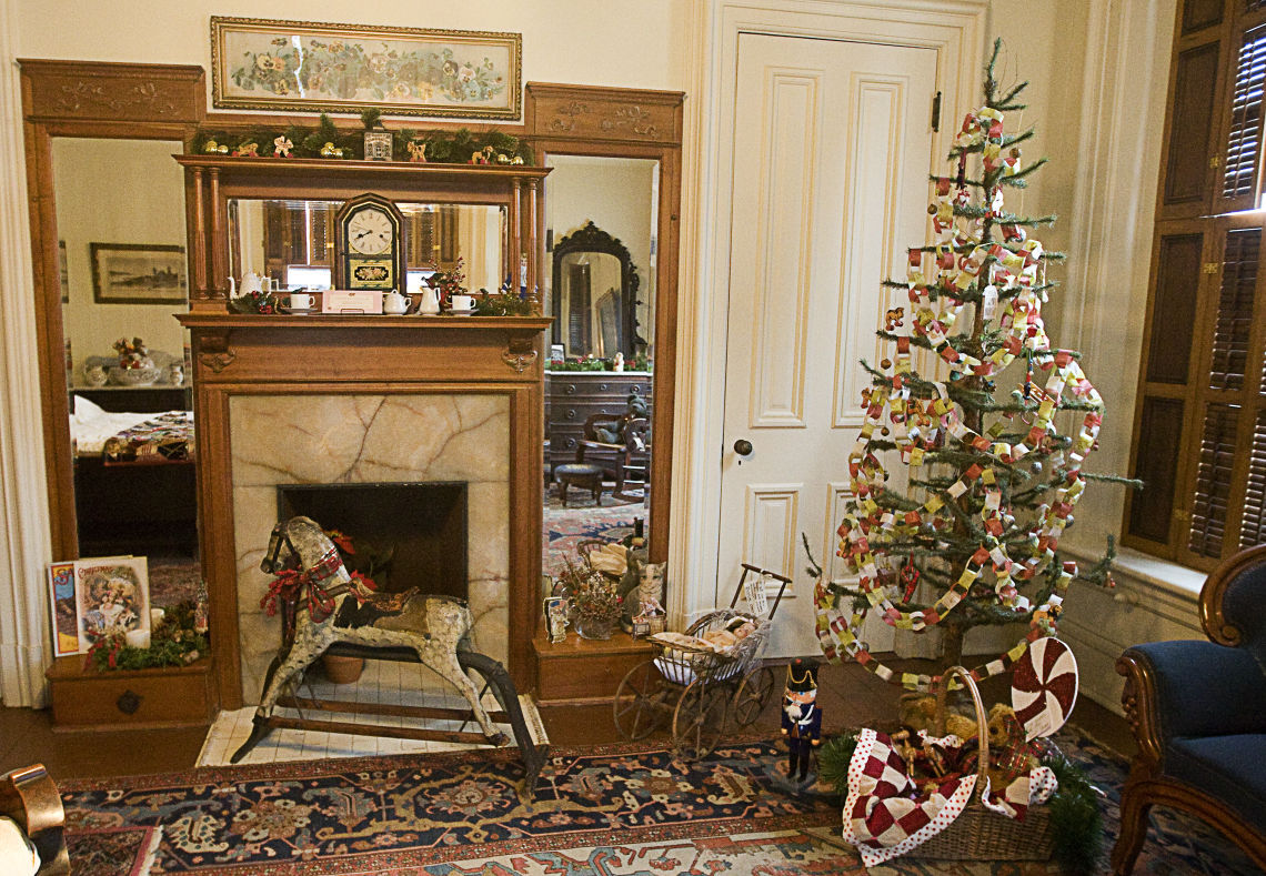 Smashing Victorian Tea Victorian Tea Victorian Decorations History Victorian Decorations Information houzz-03 Victorian Christmas Decorations