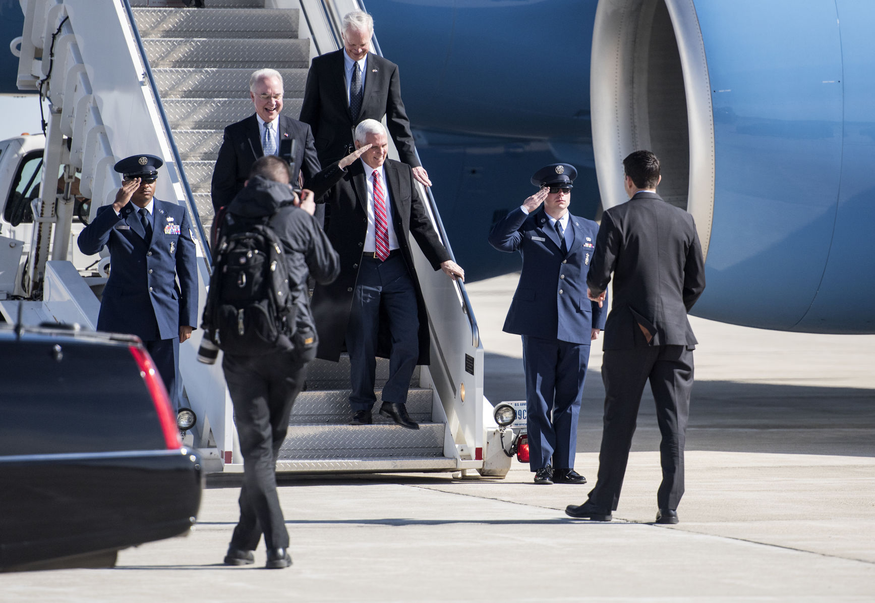 Pretty Vice President Mike Pence Arrives At Sourn Wisconsin Regionalairport Nightmare Is Farm Fleet Corporate Office Janesville Wi Janesville On Vice President Mike Pence Fleet Auto Center Janesville houzz-03 Farm And Fleet Janesville Wi