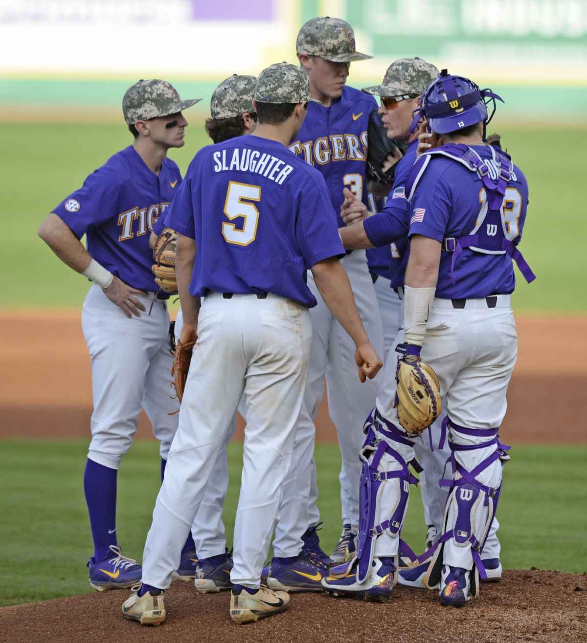 LSU baseball in the rankings: Tigers take a fall after dropping series to Notre Dame   LSU ...