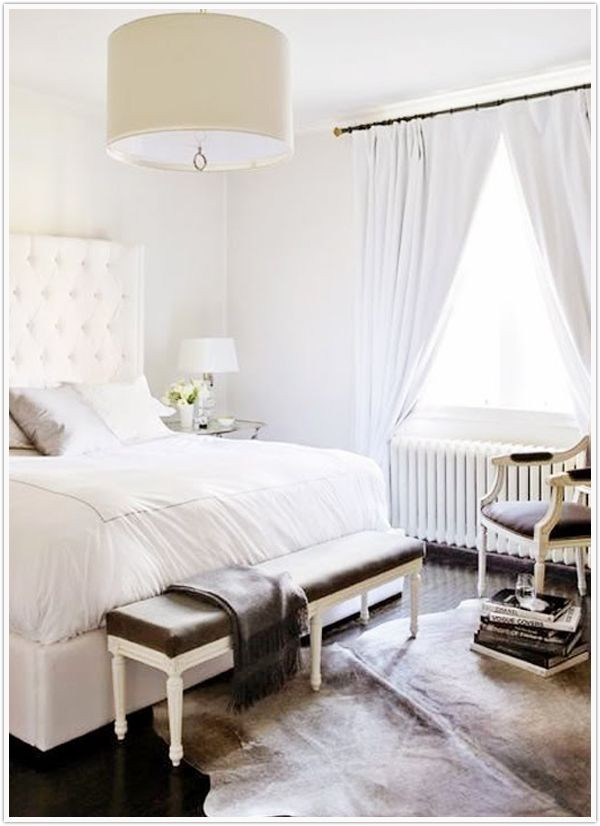 Living well how to decorate your bedroom for Well decorated bedroom