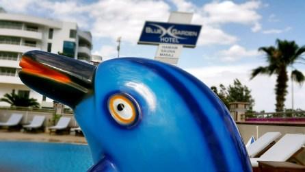 antalya yüzme havuzu konyaaltı sahilde oteller blue garden hotel (15)