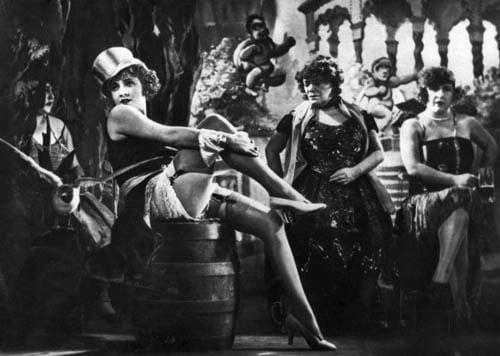 Marlene-Dietrich-in-Der-blaue-Engel