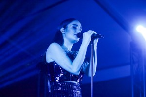 Banks // 3/16/2017 at Banger's presented StubHub // SXSW 2017 // Photo by Derrick K. Lee, Esq. (@Methodman13) for www.BlurredCulture.com.