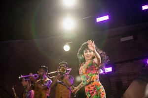 Mon Laferte at Santa Monica Pier's Twilight Concerts 8/10/17. Photo by Adriana Delgado (@a.lucreciad) for www.BlurredCulture.com.
