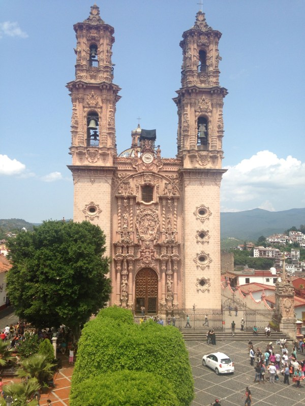 Weekend trip to Taxco, Silver, Los Arcos hotel, Church of Santa Prisca in Taxco, Pozas Azules, Mexico, La Gaviota, Chinese Railroads